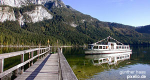 Lake Ausseer See, where you find Altaussee in the Salzkammergut